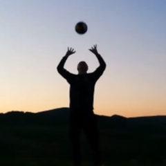 Challenge: Ein Ball geht um die Welt